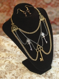 Keys of Shahrizai Necklace